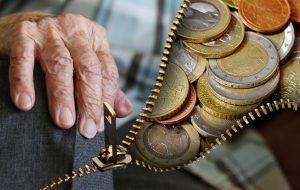 Светот старее, во пензија сè подоцна, пензиите се помали
